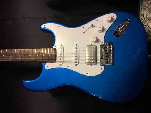 TOKAI TST-50 MODERN HSS LAKE PLACID BLUE w/gig bag